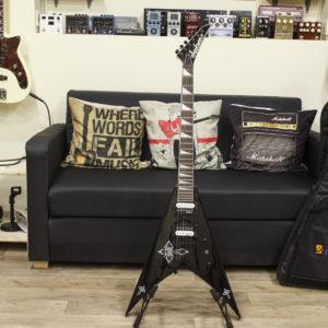 Фото 9 - Jackson JS32T King V Guitar (used).