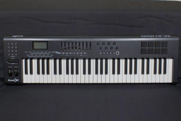 Фото 1 - M-Audio MIDI Axiom 61 (used).