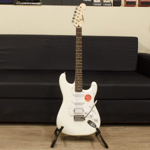 Фото 24 - Squier By fender Stratocaster (used).