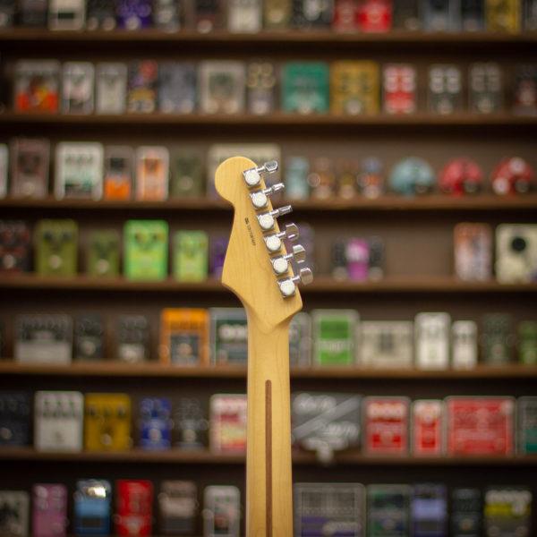 Фото 5 - Fender AM PRO Strat HSS Shaw RW 3TS (used).