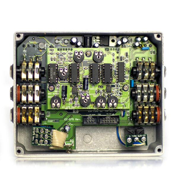 Фото 4 - Electro-Harmonix (EHX) Deluxe Memory Man Analog Delay with Panasonic MN3005 Chip (used).
